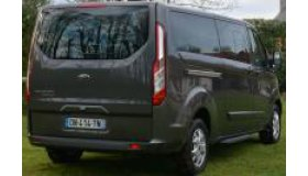 Ford_Tourneo_Custom_007_grid.jpg