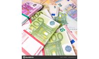 depositphotos_131892578-stock-photo-euro-money-banknotes-euros-money_list.jpg